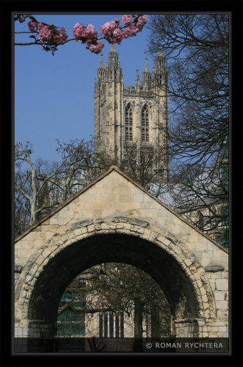 015_Canterbury_Cathedral.jpg